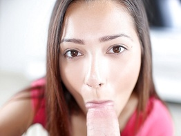 Petite beauty from Arizona comes to swallow cum