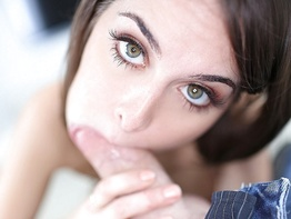 Riley Reid indulges herself and swallows a thick load