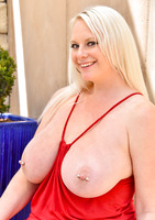 Camerona blonde milf in Blonde Busting Out #11
