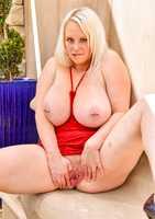 Camerona blonde milf in Blonde Busting Out #14