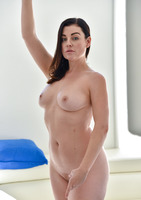Sovereign a horny milf loves to please her ass #10