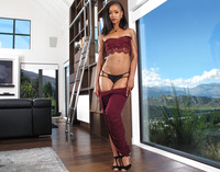 Ebony babe Skin Diamond reveals her nice round ass #01