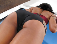 Ebony babe Skin Diamond reveals her nice round ass #03