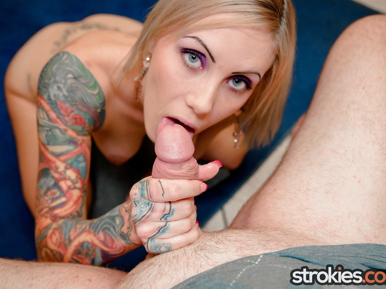 Jae Lynn showing her cock stroking skills