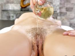 Chloe Temple Oiled Pussy Rub