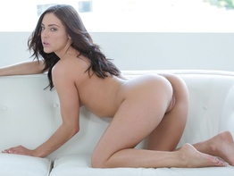Petite babe Gracie Glam takes a dick deep in her ass