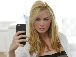 Bailey Rayne snapping selfies and masturbating